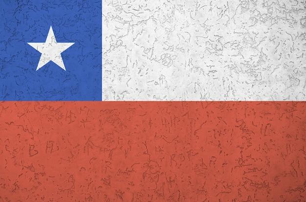 Bandera de chile representada en brillantes colores de pintura en relieve antiguo muro de yeso. banner con textura sobre fondo áspero