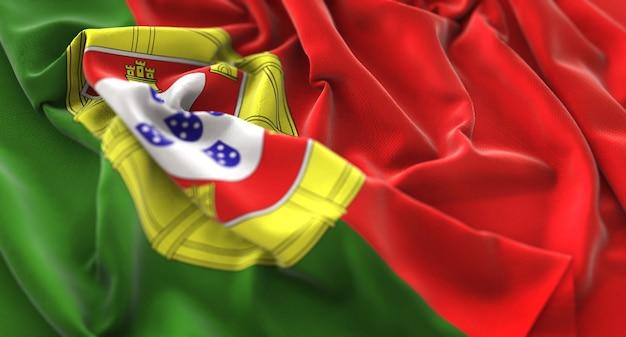 Bandera de portugal ruffled bellamente agitando macro foto de primer plano