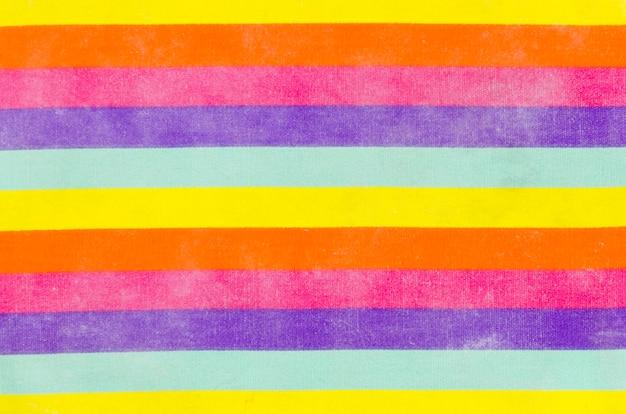 Bandera del día del orgullo con los colores del arcoíris