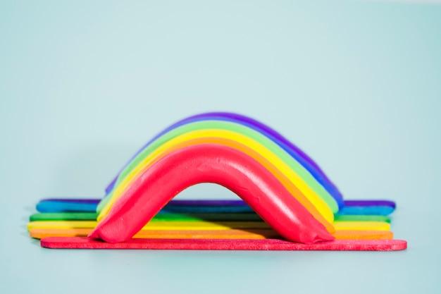 Bandera del día del orgullo lgbt con pintura de colores