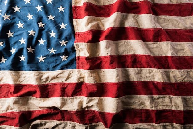 Bandera de los estados unidos de américa de fondo.