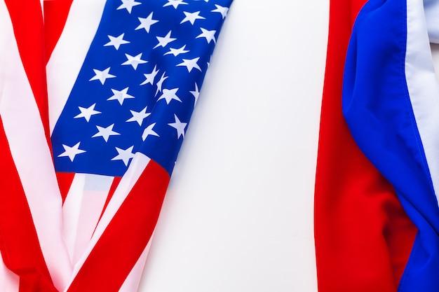 Bandera de estados unidos y bandera de rusia
