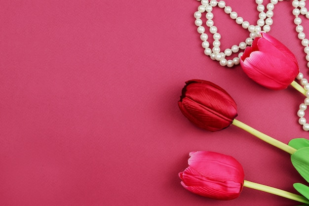 Bandera de flores amarillas de tulipán para el día de san valentín de vacaciones