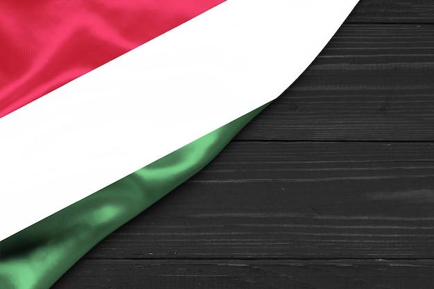Bandera de hungría copia espacio