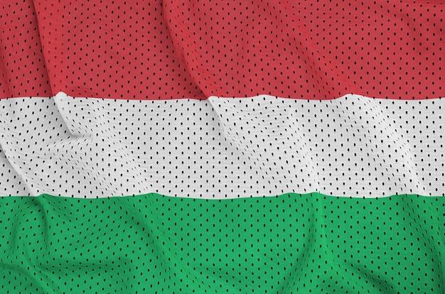Bandera de hungría impresa en una malla de nylon y poliéster