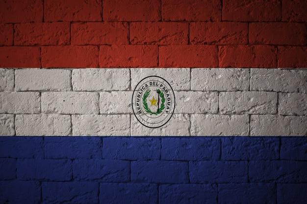 Bandera con proporciones originales. primer plano de la bandera del grunge de paraguay
