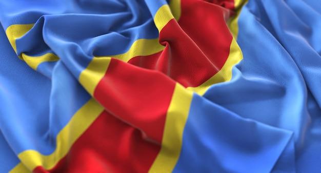Bandera de la república democrática del congo ruffled bellamente agitando macro primer plano