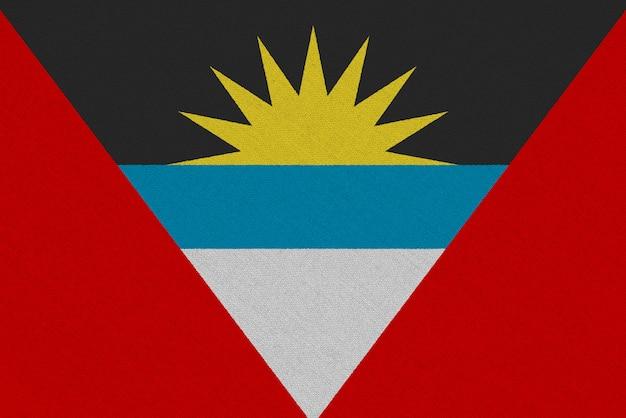 Bandera de tela antigua y barbuda