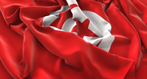 Bandera de túnez ruffled maravillosamente acurrucado horizontal primer plano