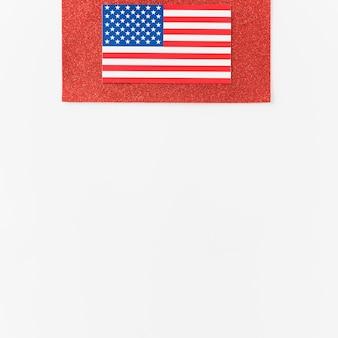Bandera de usa en terciopelo rojo