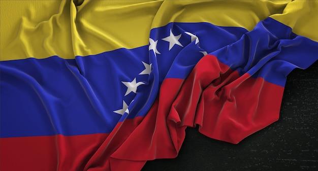 Bandera de venezuela arrugado sobre fondo oscuro 3d render