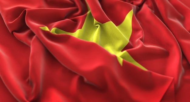 Bandera de vietnam ruffled bellamente agitando macro primer plano