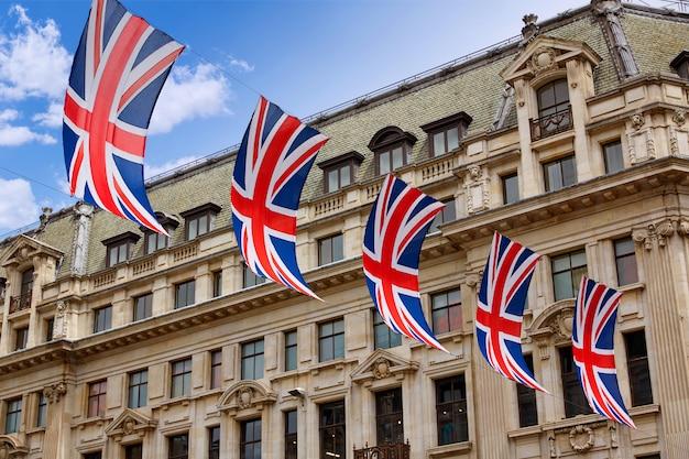 Banderas de londres reino unido en oxford street