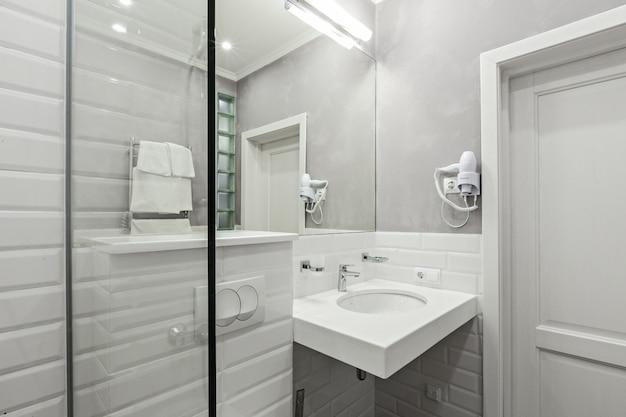 Baño de las habitaciones del hotel.