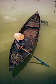 Barcos vietnamitas en hoi an