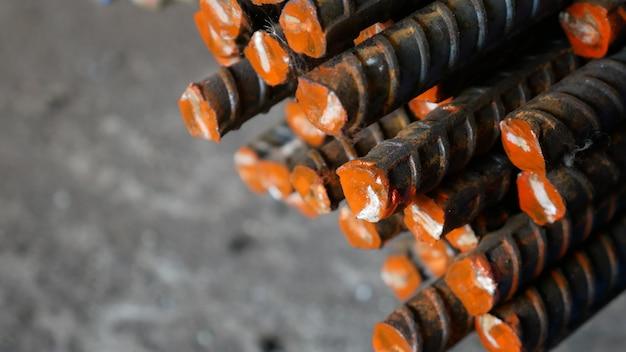 Barra de acero deformada para hormigón armado y acero de construcción.