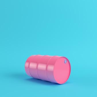 Barril de petróleo rosa sobre fondo azul brillante