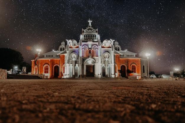 Basílica de nuestra señora de los ángeles, iglesia, noche, cielo estrellado.
