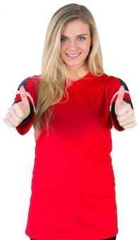 Bastante fanático del fútbol en rojo