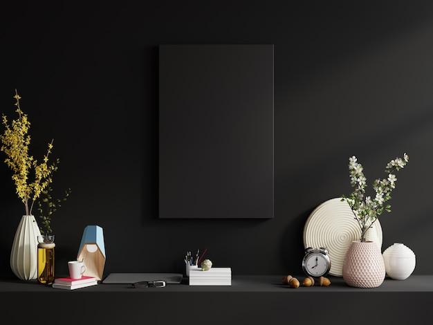 Bastidor en el estante en el interior de la sala de estar en la pared oscura vacía, representación 3d