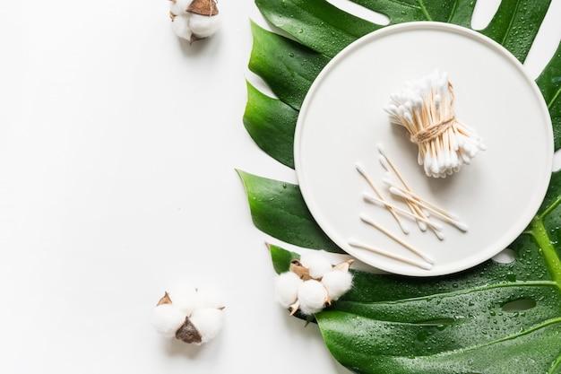 Bastoncillos de bambú, cosmética orgánica natural, algodón
