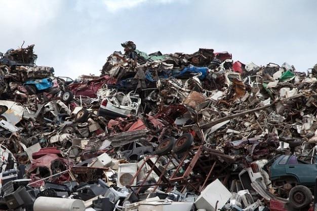 Basura chatarra desguace volcado astillero de reciclaje de metal