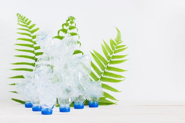 Basura reciclar botellas de plástico, solución de calentamiento global.