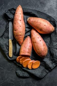 Batatas crudas, ñame orgánico.