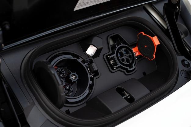 Batería cargador de primer plano para el coche eléctrico