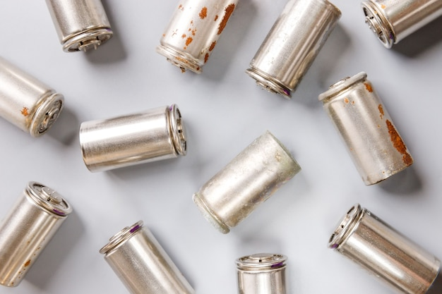 Las baterías usadas usadas de níquel e hidruro metálico (ni-mh) usadas
