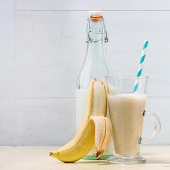 Batido de plátano y leche