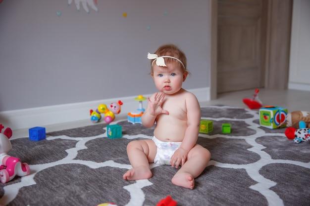Bebé, casa, pañales, bebé, juguetes