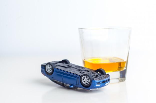 Beber mientras se maneja