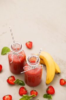 Bebida batida con fresas