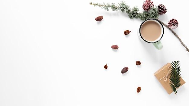 Bebida caliente con espacio para regalo y copia