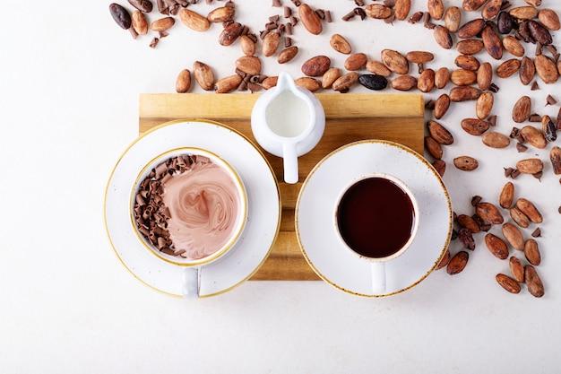 Bebida casera de chocolate caliente.