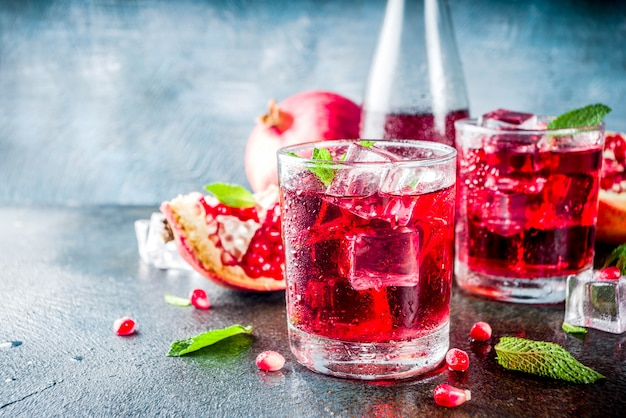 Bebida fría de otoño de granada