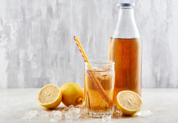 Bebida gaseosa de limón