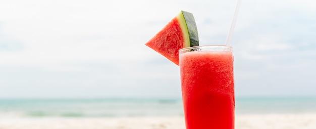 Bebida refrescante de batido de jugo de frutas de sandía