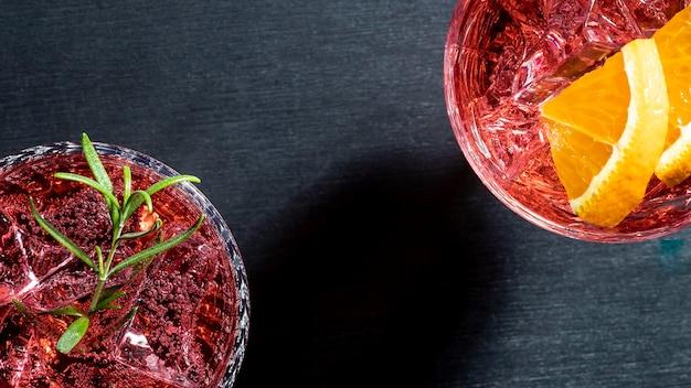 Bebida refrescante con sabor a fruta