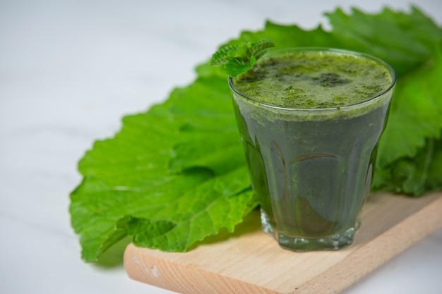 Bebida saludable, batido de verduras