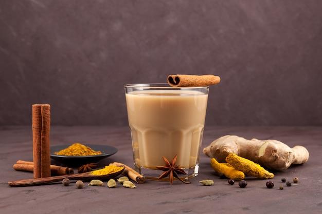 Bebida tradicional india té masala.