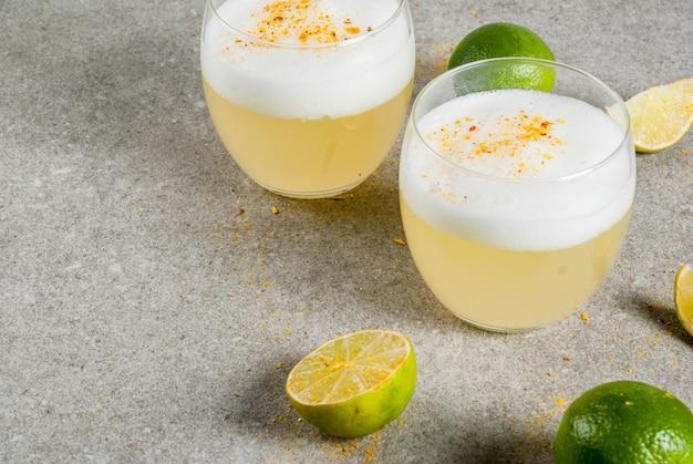 Bebida tradicional peruana, mexicana, chilena, licor de pisco sour