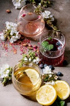 Bebidas espumosas de colores