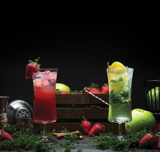 Bebidas de fresa y limón mojito
