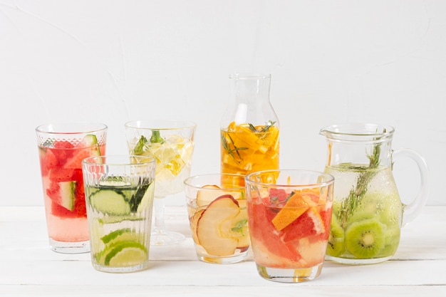 Bebidas refrescantes con sabor a fruta.