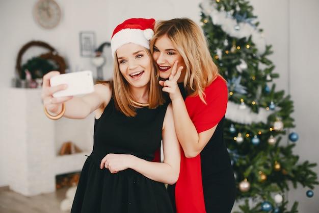 Bellas chicas de navidad