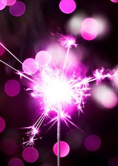 Bengala violeta de año nuevo