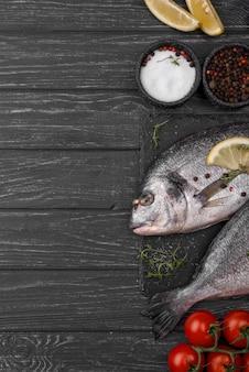 Besugo fresco pescado flay lay