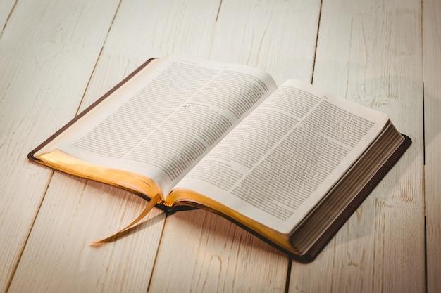 Las Imagenes De Biblia Abierta Mas Descargadas De Agosto